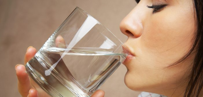 6 Ways Drinking Water Helps Weight Loss